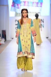 fashion-in-pakistan-essay
