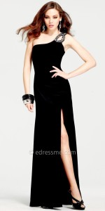 black-evening-dress-with-long-sleeves