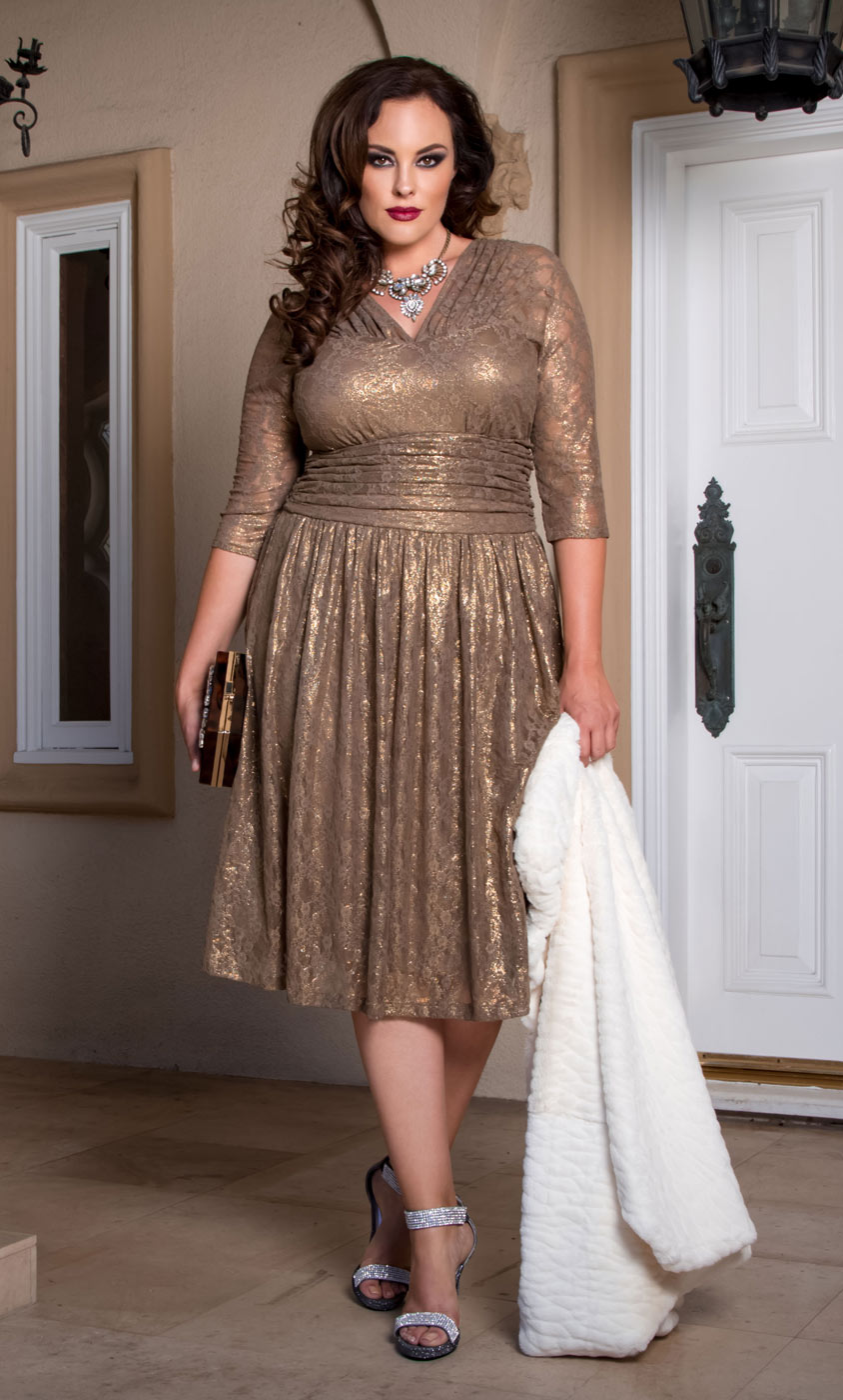 Evening dresses plus size with sleeves - Style Jeans