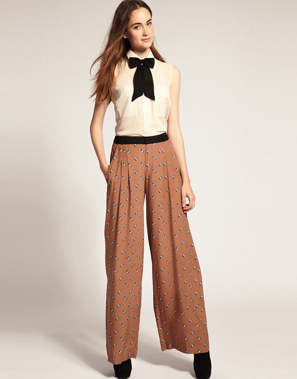 s Swing Pants & Sailor Trousers- Wide Leg, High Waist. s pants and blouse outfit idea. High waists and wide legs define women's spants. Shop s Style Pants & Overalls. Collectif Profesh Appeal Wide-Leg Trousers in 16 UK - Straight Pant Long by Collectif from ModCloth.