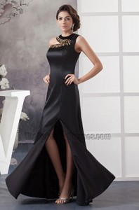 formal-gown-with-sleeves