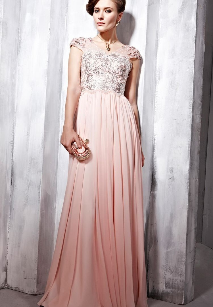 Long evening dress with sleeves
