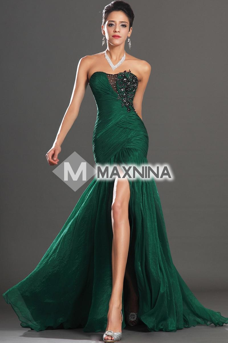 We search the globe for the hottest new Party and Cocktail Dresses at PERFECT PRICES! Get your Prom Dress and Bridesmaid dresses with glitzy shoes and jewelry to match!