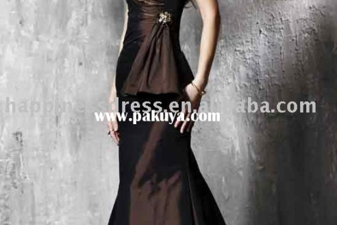 womens-evening-dresses-plus-size