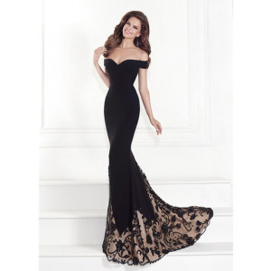 black evening gown with lace