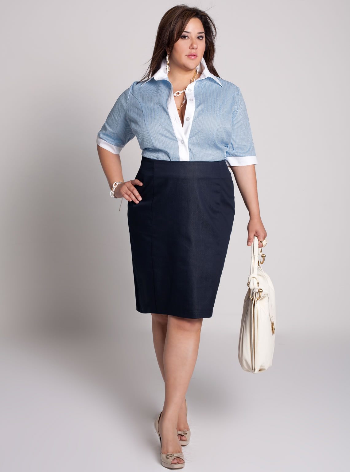 Kohl's plus-size clothing for women is made with quality materials and attention to fit, making it the ideal choice for both everyday staples and special pieces. Look and feel .