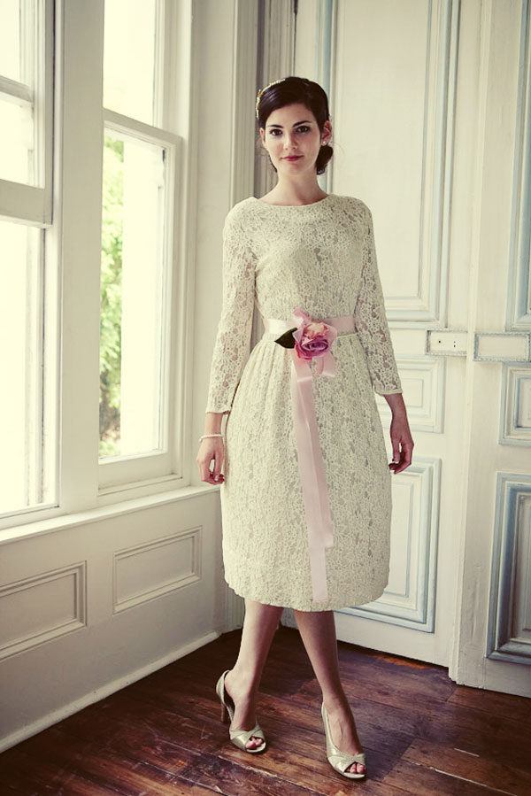 Short Vintage Wedding Dress With Lace - Style Jeans