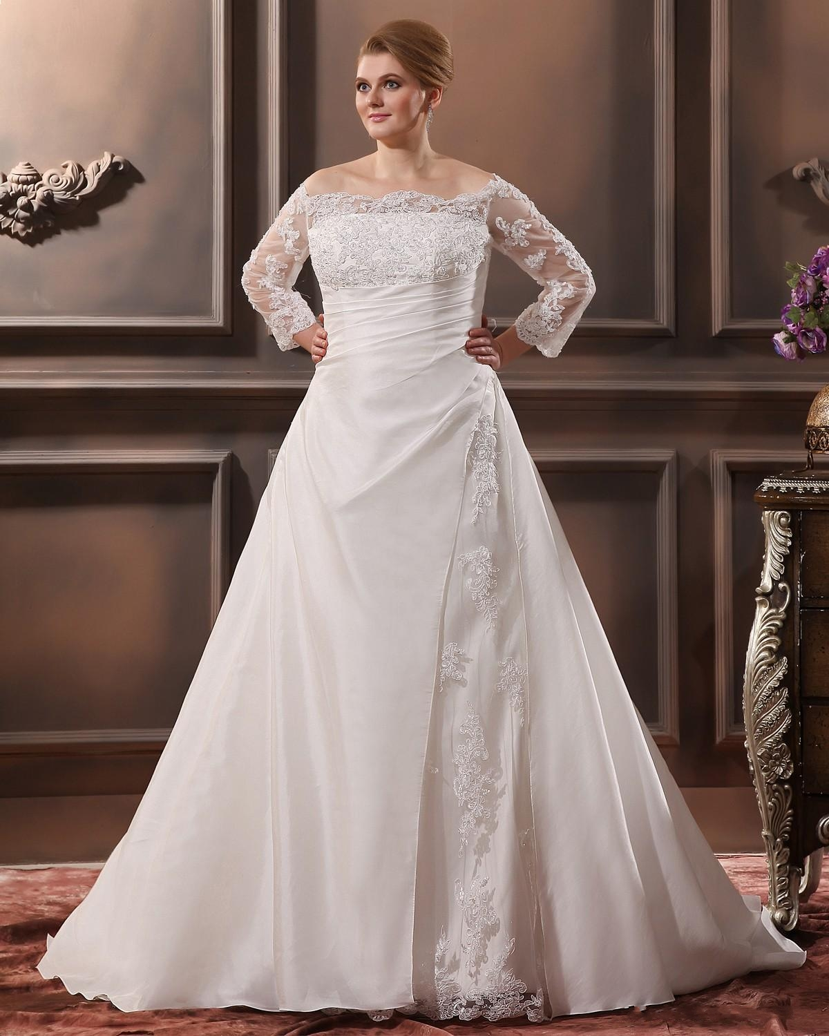 Plus Size Wedding Gowns: Plus Size Outfits For A Wedding